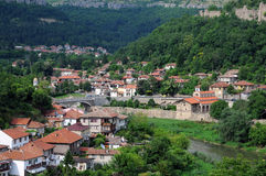 Cidade de Veliko Tarnovo na primavera Imagem de Stock Royalty Free