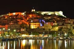 Cidade do beira-mar da noite foto de stock royalty free