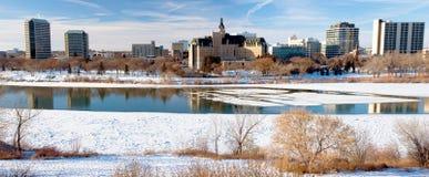 Cidade do inverno de Saskatoon panorâmico Fotos de Stock Royalty Free