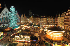 Cidade do negócio de Francoforte. Mercado do Natal Foto de Stock Royalty Free