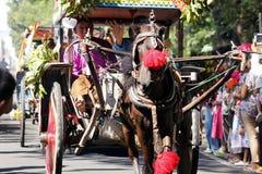 Cidade do nganjuk da cultura do carnaval do aniversário dos desempenhos, Jav do leste Imagens de Stock