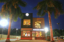 A CIDADE DO PANAMÁ, PANAMÁ 9 DE MARÇO: Construção nova de Burger King em c alto Imagem de Stock Royalty Free