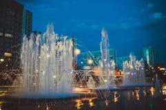 Cidade do russo da noite de Novokuznetsk Imagens de Stock
