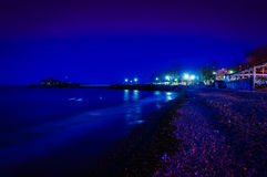Cidade do verão na noite do inverno Imagem de Stock Royalty Free