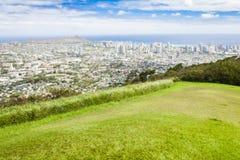 Cidade do waikiki de Havaí oahu, cabeça do diamante, oceano sobre o viewi foto de stock royalty free