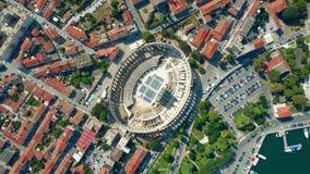 Cidade dos Pula e anfiteatro romano antigo famoso na Croácia vídeos de arquivo
