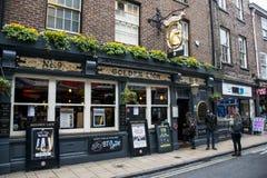 A cidade dourada Yorkshire do bar de Lion York imagens de stock