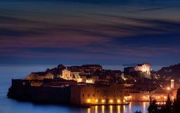 Cidade Dubrovnik do odl da opinião da noite Imagem de Stock Royalty Free