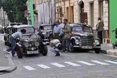 Cidade e cidadãos Fotos de Stock