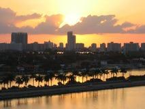 Cidade e porto de Miami do por do sol Fotografia de Stock Royalty Free