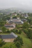 Cidade em um cume em França Região Midi Pyrenees Foto de Stock Royalty Free