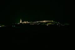 Cidade espanhola na noite Cumbres Mayores, Huelva Imagens de Stock Royalty Free