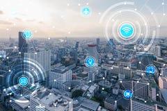 Cidade esperta e rede de comunicação sem fio, IoTInternet de T imagem de stock royalty free
