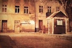 Cidade europeia velha na noite Imagens de Stock Royalty Free