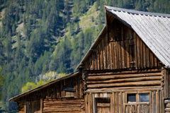 Cidade fantasma ocidental velha da paisagem grande da montanha do celeiro do moulton dos tetons Imagens de Stock Royalty Free