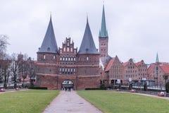 Cidade Hanseatic do ¼ beck de LÃ, entrada através de algumas de quatro portas da cidade, o Imagem de Stock