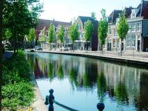 Cidade histórica Hoorn na Holanda com seus canais bonitos Fotografia de Stock Royalty Free