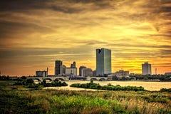 A cidade ilumina a skyline Foto de Stock Royalty Free