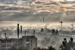 Cidade industrial - Moonscape Fotos de Stock Royalty Free