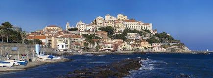 A cidade Ligurian bonita de Porto Maurizio, impérios, Itália foto de stock royalty free
