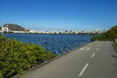 Cidade maravilhosa Lugares maravilhosos no mundo Lagoa e vizinhança de Ipanema em Rio de janeiro, Brasil fotografia de stock royalty free