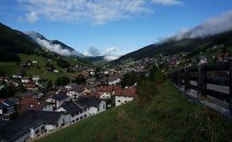 Cidade maravilhosa nas montanhas Imagem de Stock