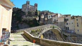 Cidade medieval Dolceacqua, Liguria, Itália video estoque