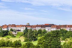 Cidade medieval pequena Walsdorf com parte dianteira dos celeiros Foto de Stock Royalty Free