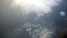 cidade metropolitana de Busan da vista 4K aérea de cima com das nuvens em Coreia do Sul vídeos de arquivo