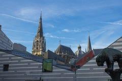 Cidade moderna e antiga de Aix-la-Chapelle Fotos de Stock Royalty Free