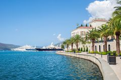 Cidade Montenegro de Tivat da linha costeira Imagem de Stock Royalty Free