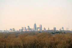 Cidade na distância Fotografia de Stock Royalty Free
