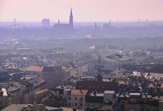 Cidade na névoa Imagem de Stock