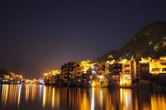Cidade na noite de Zhenyuan Fotos de Stock