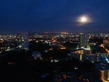 Cidade na noite, Tailândia de Pattaya fotos de stock