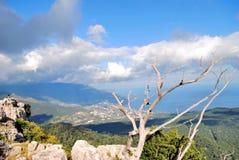 A cidade nas montanhas Foto de Stock