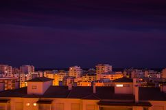 Cidade no crepúsculo Fotografia de Stock Royalty Free
