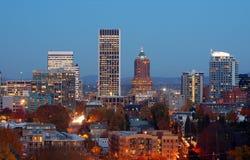 Cidade no crepúsculo Foto de Stock Royalty Free