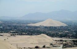 Cidade no deserto Imagens de Stock Royalty Free