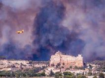Cidade no fogo Imagens de Stock
