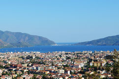 Cidade panorâmico e mar Fotografia de Stock