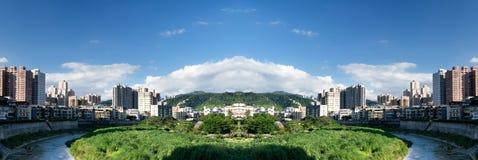 Cidade panorâmico no dia imagens de stock royalty free
