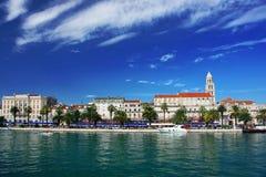 Cidade pelo mar, Split, hora. Imagens de Stock