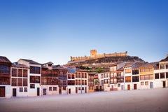 Cidade pequena de Penafiel com castelo e quadrado velho Fotos de Stock Royalty Free