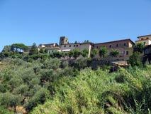 Cidade pequena italiana romântica fotografia de stock