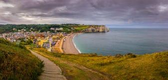 Cidade pequena na costa do oceano Fotografia de Stock Royalty Free