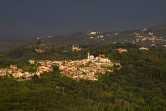 Cidade pequena na ilha de Corfu Imagem de Stock
