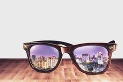 Cidade Refect em Sunglass mim Foto de Stock Royalty Free