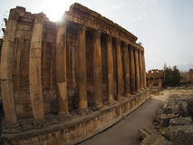 Cidade romana antiga de Baalbek em Líbano - templo do Júpiter fotografia de stock royalty free
