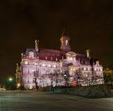 Cidade salão de Montreal na noite Foto de Stock Royalty Free